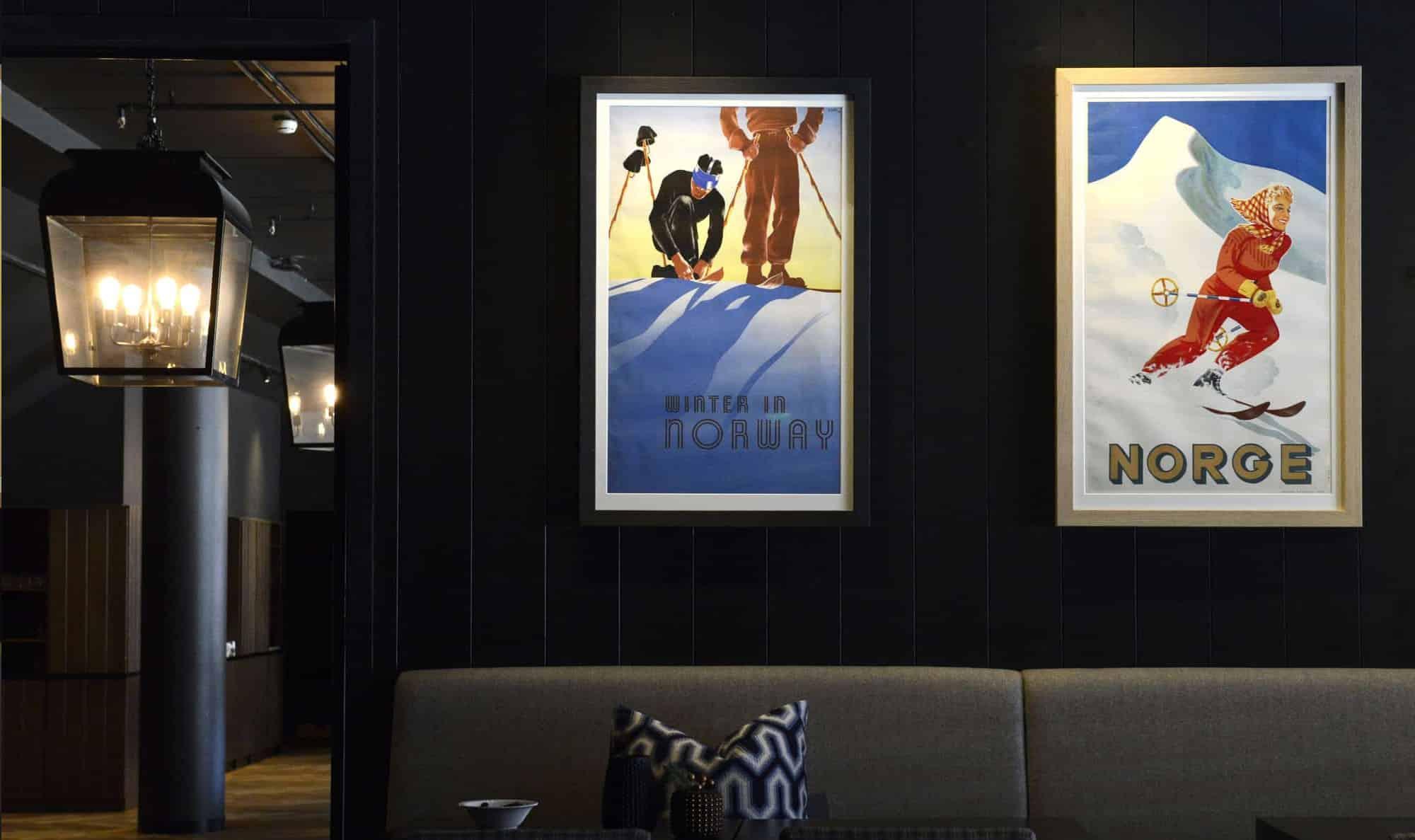 The Gundersen Collection har i dag har en av de største private samlingene med plakater med norske vintersportmotiv. Fra 1907 og opp til i dag.