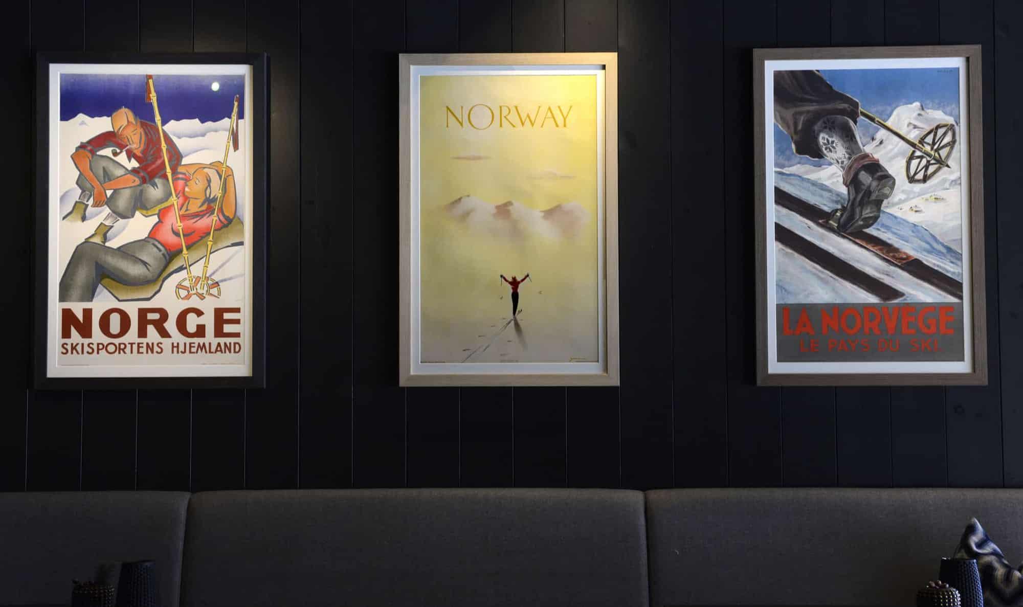 Knut Yran1920-1998 The Gundersen Collection har i dag har en av de største private samlingene med plakater med norske vintersportmotiv. Fra 1907 og opp til i dag.